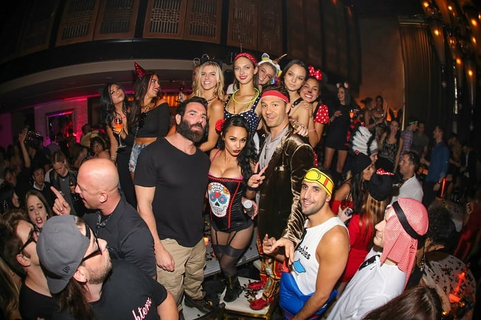 Dan-Bilzerian-at-LAVO-Party-Brunch
